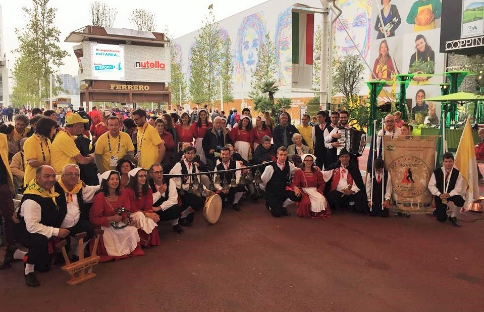 Gruppo Folklorico Agnone Expo Milano 2