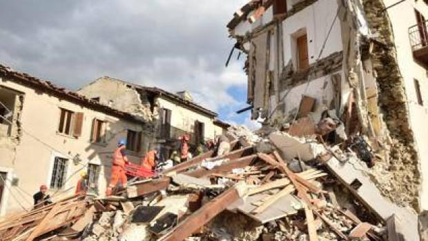 Terremoto, continuano le scosse nel Centro Italia. Due di forte intensità