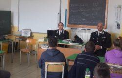 scuola media Jelsi, incontro carabinieri