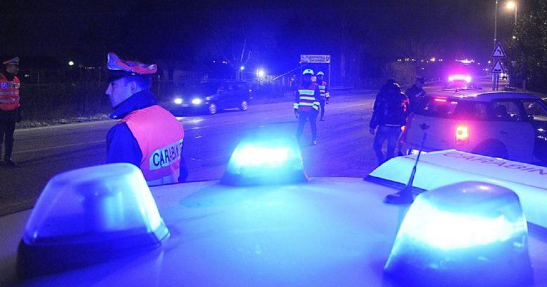 foto controllo e posto di blocco Carabinieri