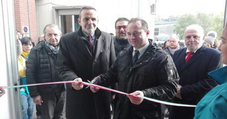 Montenero di Bisaccia (Campobasso), inaugurazione Casa della Salute, taglio nastro