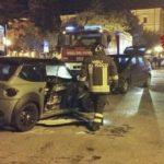 """CRONACA - Scontro tra auto e minicar in centro, due giovani al """"Cardarelli"""""""