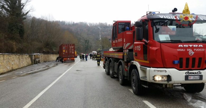 incidenti colli a volturno ss 158