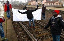 protesta migranti venafro treno