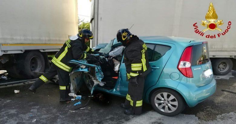 INCIDENTE - Auto contro tir, SS 87 chiusa al traffico Larino