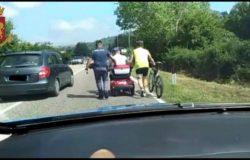 CRONACA - Veicolo in difficoltà sulla statale, disabile salvato dalla Polizia. Tragedia sfiorata