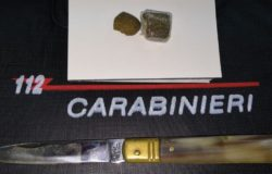hashish e coltello