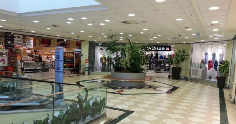 centro commerciale in piazza isernia