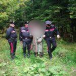 CRONACA - Va nel bosco a cercare funghi, ma non torna a casa. Carabinieri traggono in salvo un 60enne