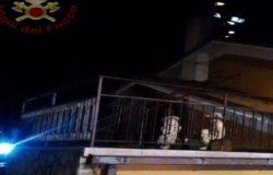 Paura a Colli a Volturno, a fuoco tetto di un'abitazione