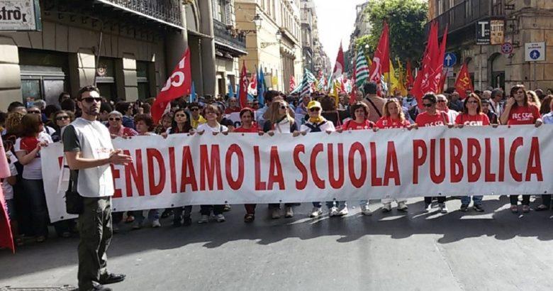 Protesta scuola sindacati