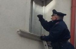 Riverso a terra in camera da letto da due giorni, anziano salvato dai Carabinieri