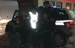 isernia Insidia ghiaccio, due auto con roulotte bloccate. A bordo due famiglie con quattro bambini, soccorse dalla polizia