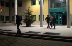 polizia immigrato violenza sessuale