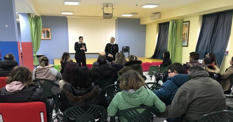 """SICUREZZA - """"Abuso dei Social Network"""", I Carabinieri incontrano genitori e alunni"""