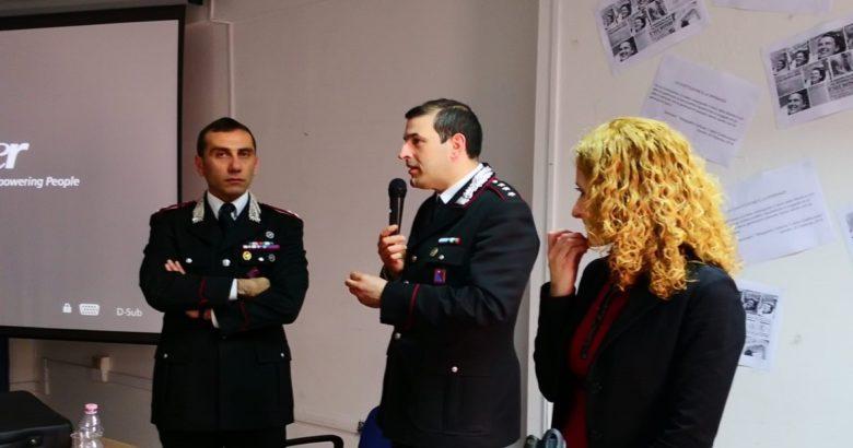 """VENAFRO - A scuola con i Carabinieri la """"cultura della legalità"""" spiegata agli studenti."""