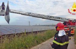 CRONACA - Si stacca la copertura del tunnel, intervengono i Vigili del Fuoco