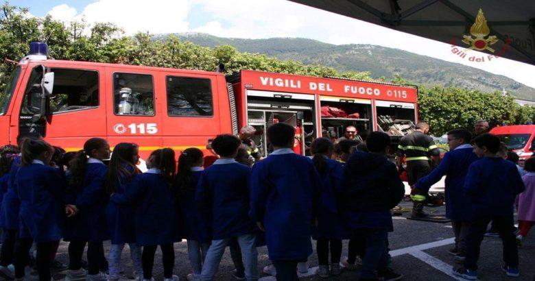 VENAFRO - Pompieropoli, una giornata in compagnia dei Pompieri per gli alunni del Don Giulio Testa