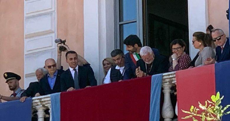 CORPUS DOMINI - Grande festa e prima uscita del sindaco Gravina, vicepremier Di Maio questa è una giornata bellissima per noi, per voi e per la città