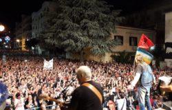 VENAFRO - Un bagno di folla per il concerto dei Nomadi, un vero successo in migliaia in città