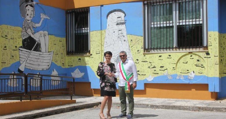 BARANELLO - Inaugurato il primo murale dipinto sulla facciata di un ufficio postale in Molise