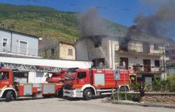 VENAFRO - Incendio, appartamento distrutto dal rogo