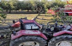 CRONACA - Agricoltore incastrato tra albero e trattore, liberato dai Vigili del Fuoco