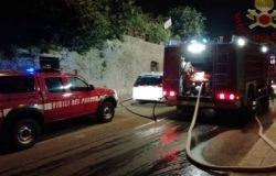ISERNIA - A fuoco una pensilina nel centro storico, soccorsa una anziana signora