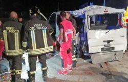 Incidente stradale, due morti sulla SS 87 minibus finisce fuori strada