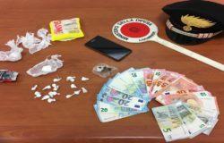 CRONACA - Colpo allo spaccio di droga un arresto, sequestro di cocaina, hashish e soldi