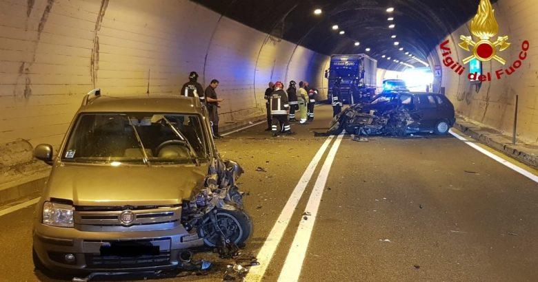 CRONACA - SS 158, incidente nella galleria Lorenzo un morto e tre feriti, impatto fatale per 90enne di Castel San Vincenzo