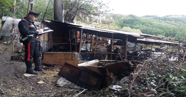 Distrutto un rudere in aperta campagna, indagini in corso