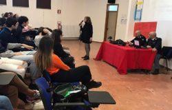 CIBERSECURITY - La Polizia Postale mette in guardia i ragazzi del Liceo