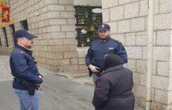 ISERNIA - Girovagava nella villa comunale in stato confusionale, la polizia la riaffida ai familiari