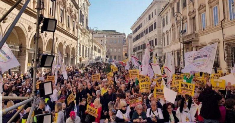 NO AI VITALIZI - A Roma anche il Molise e i portavoce del M5S