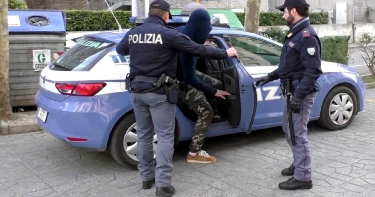 Polizia Immigrazione Clandestina 44 Revoche Di Permesso Di Soggiorno E 18 Espulsioni Molise Network