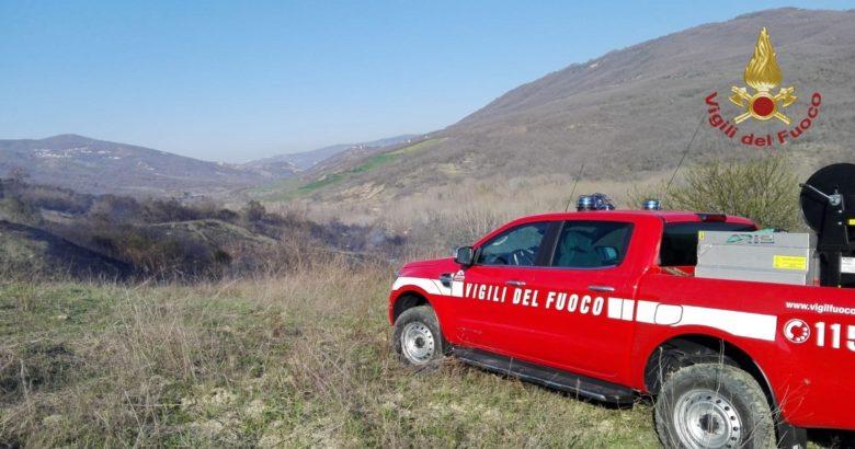 CRONACA - Vasto incendio, impegnati per ore Vigili del fuoco supportati anche dalla flotta aerea