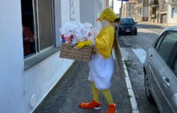 PASQUA, Solidarietà, uova di Pasqua, colombe, senzatetto