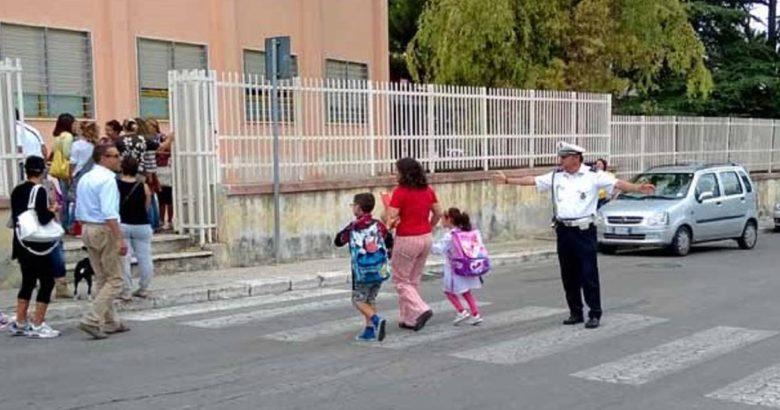 vigili urbani scuola