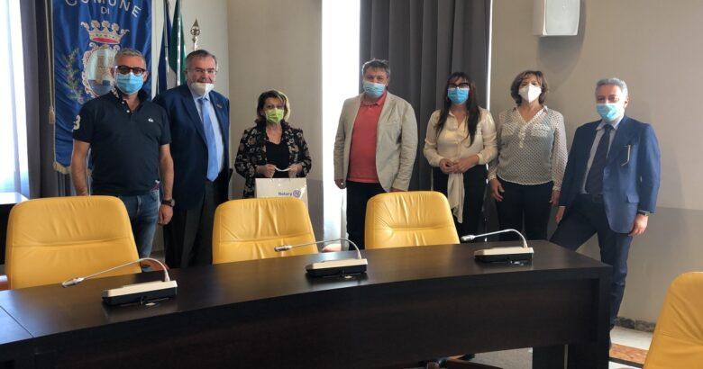 Il Rotary Club International dona 70 buoni spesa al comune di Termoli