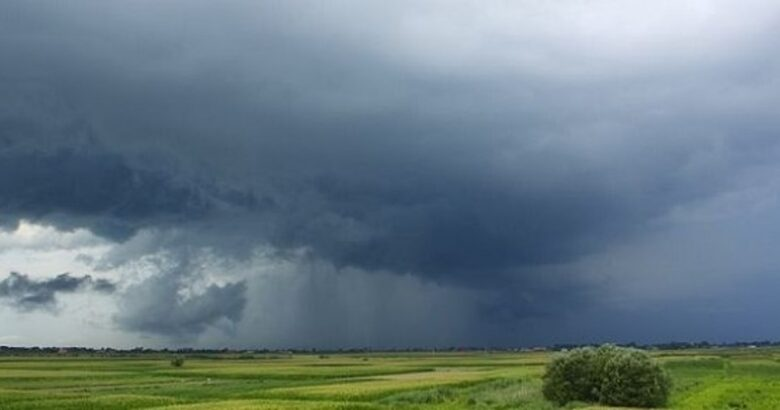 METEO - Maltempo in arrivo: temporali in agguato, temperature in calo