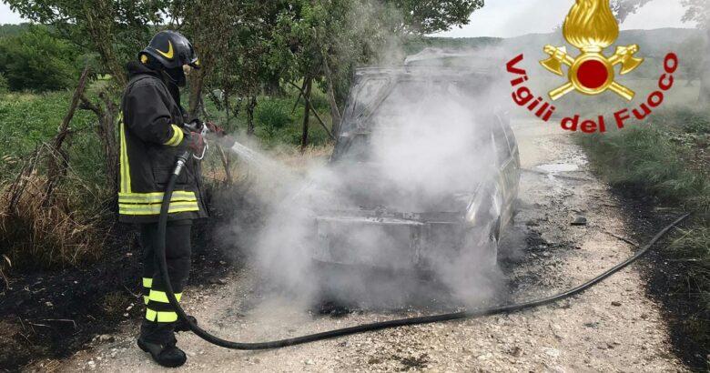 fuoco, fiamme, auto, metano, sepino, pompieri