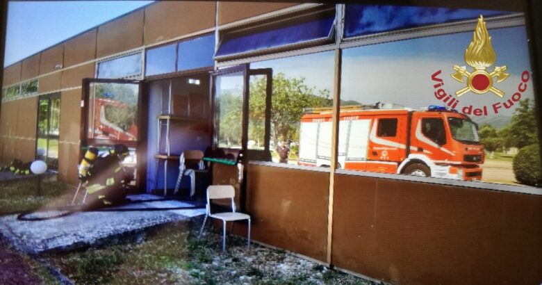 INCENDIO, Pozzilli, centro di ricerca medico, fiamme