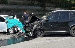 INCIDENTE MORTALE - Frontale sulla strada per l'ospedale un morto e un ferito