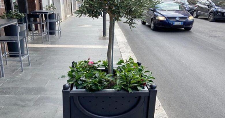 ISERNIA - Riqualificazione di corso Garibaldi, fioriere e nuovi cestini per rifiuti