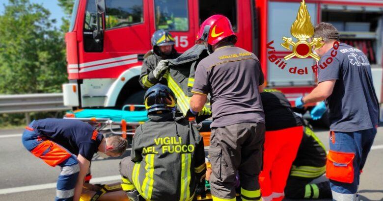 Incidente stradale, auto, feriti