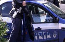 Evade domiciliari, giovane in manette, polizia