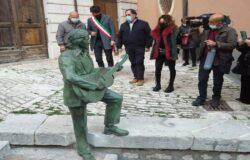 CAMPOBASSO, statua, Fred Bongusto