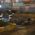 """VENAFRO - Incendio in città, """"minicar"""" divorata dalle fiamme"""