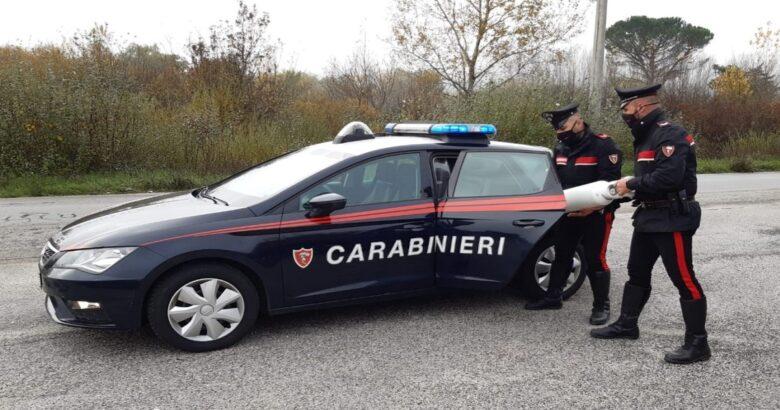 carabinieri, angeli dell'ossigeno, riforniscono, bombola, anziana, inferma
